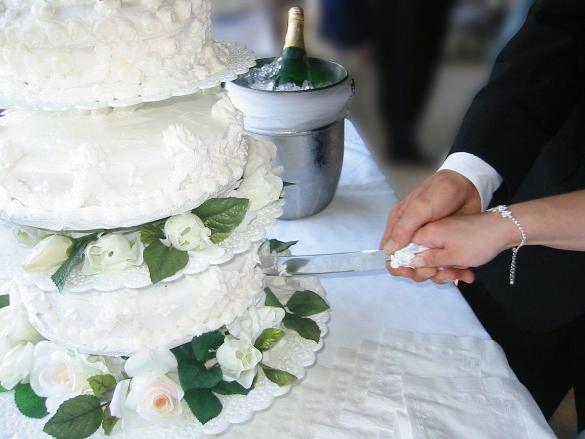 Traditie En Etiquette Voor De Bruidstaart