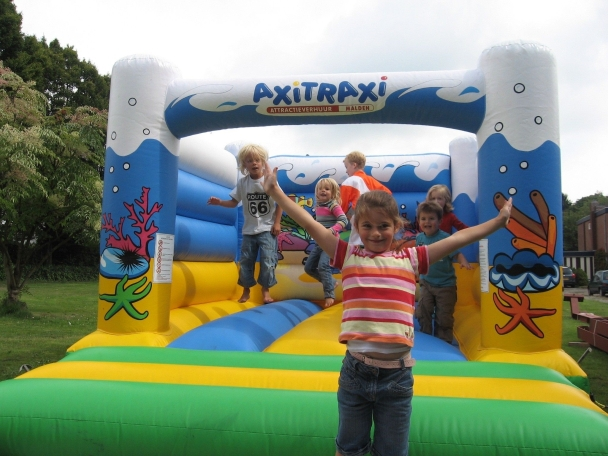 Axitraxi Fun - Games - Events attracties, partyverhuur en ballondecoratie